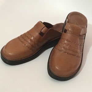Womens Clark's Leather Clogs